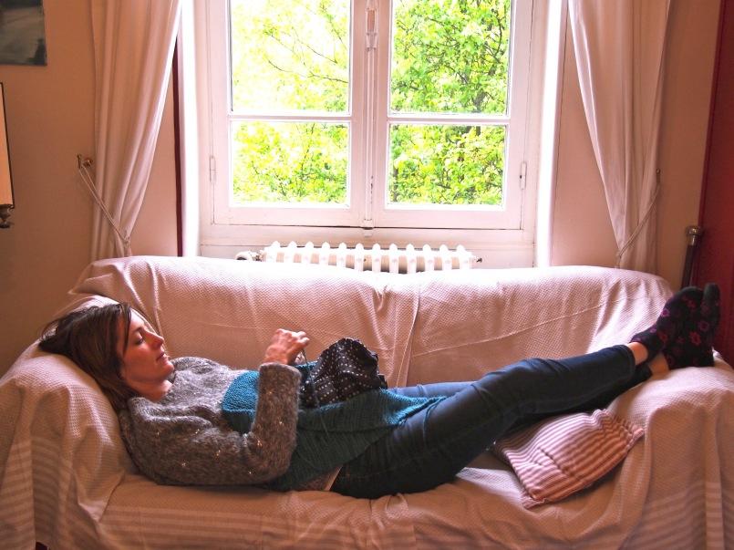 Knitting at Jardins d'Helen B&B in Giverny | HeyGirlfriend.Net