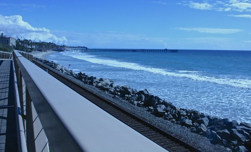 Beach Trail looking south towards the San Clemente Pier