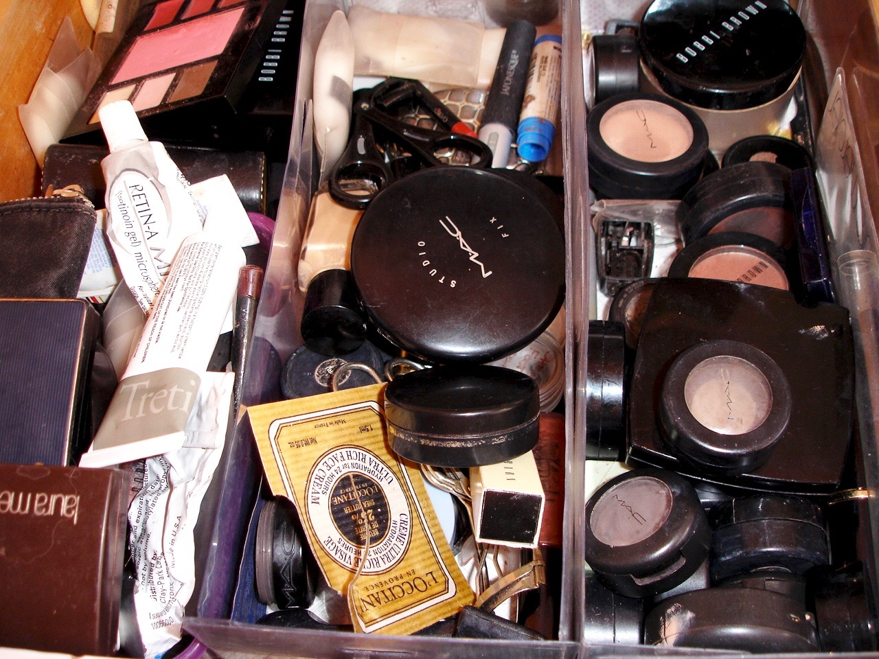 Get Rid of 100 Things ~ Get rid of old make-up and unused samples