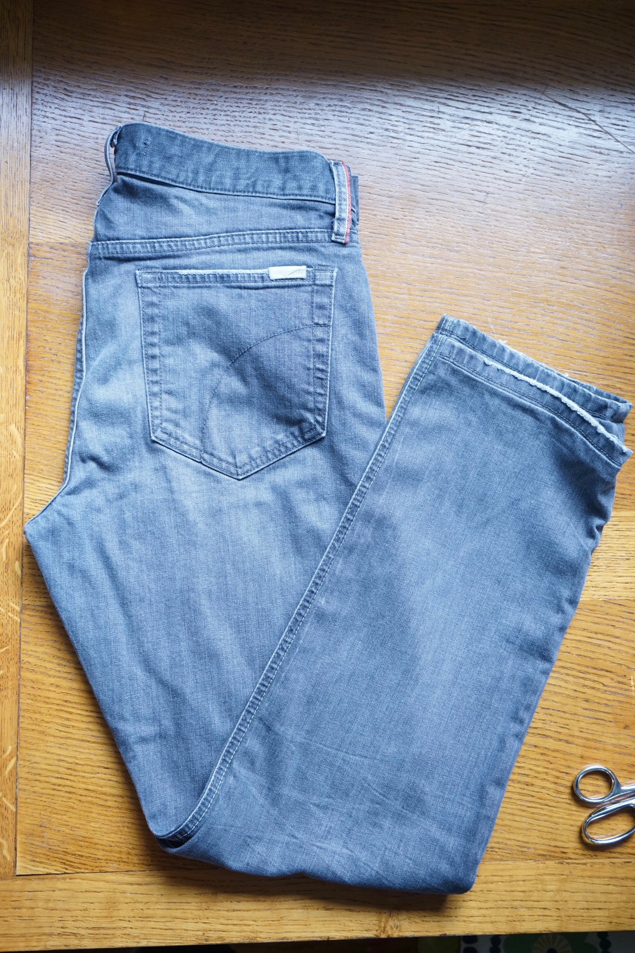 HeyGirlfriend.Net ~ How to Sew and Original Jean Hem
