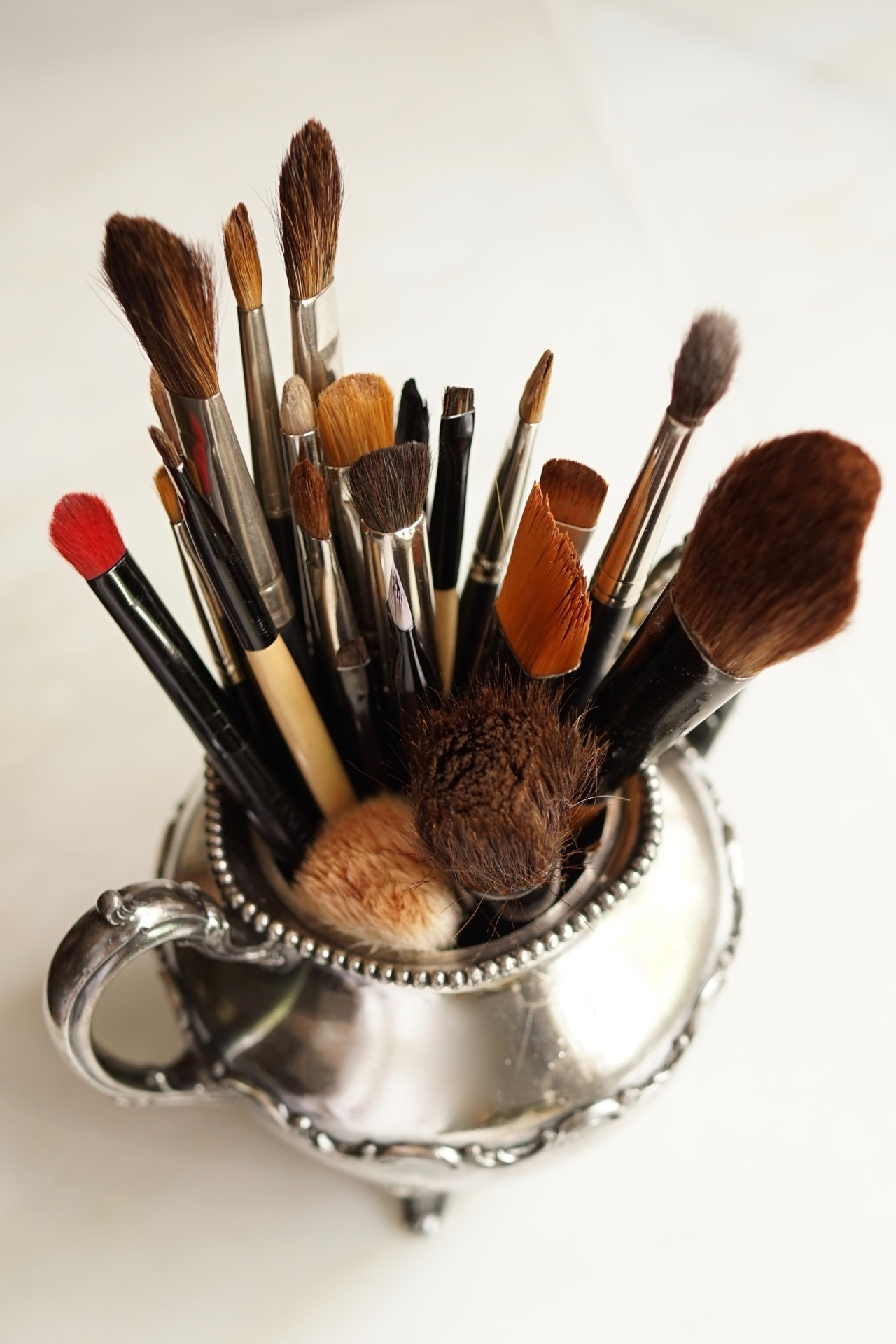 HeyGirlfriend.Net ~ 9 Essential Make-Up Brushes