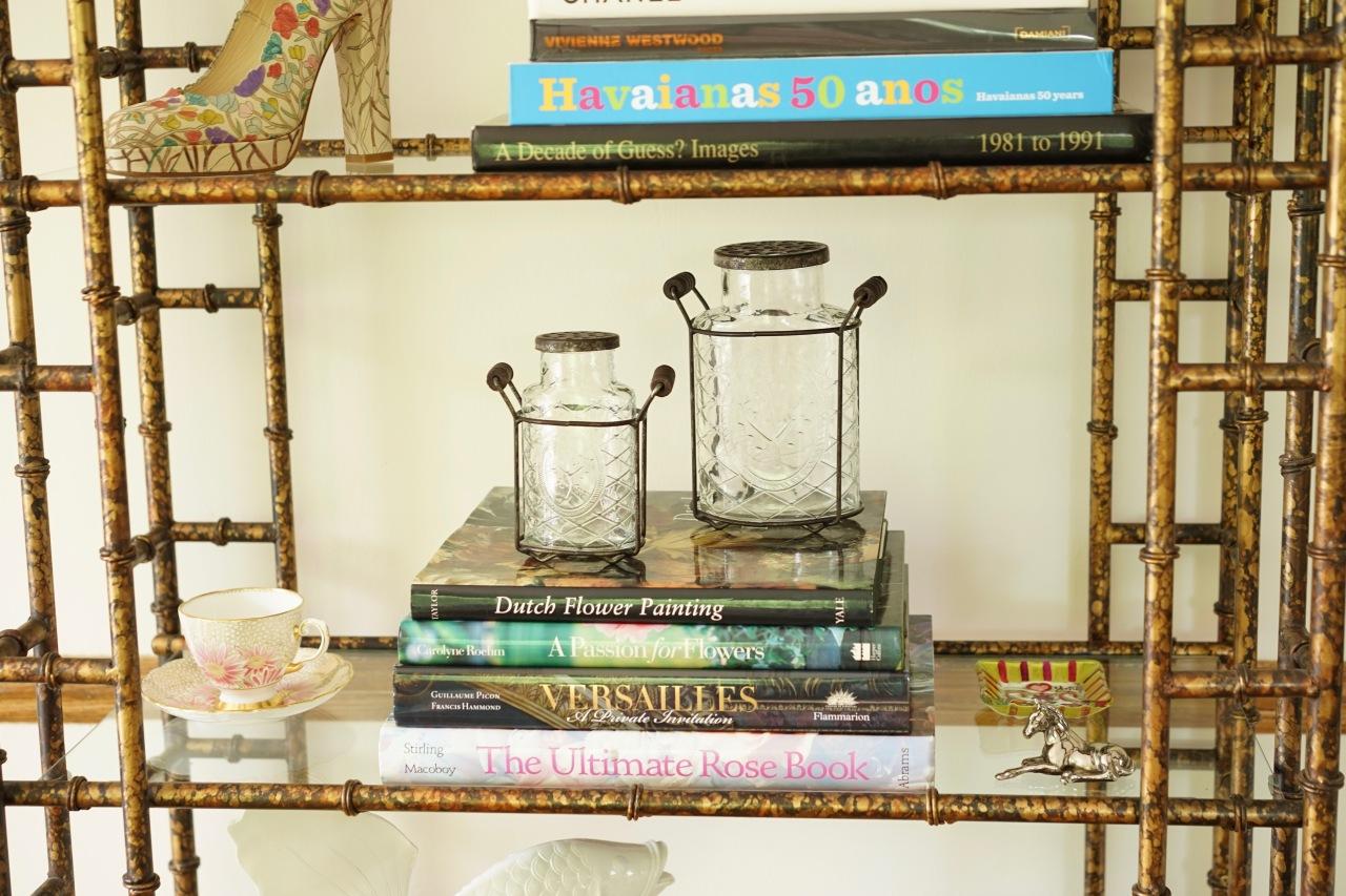 Books-used-as-a-riser