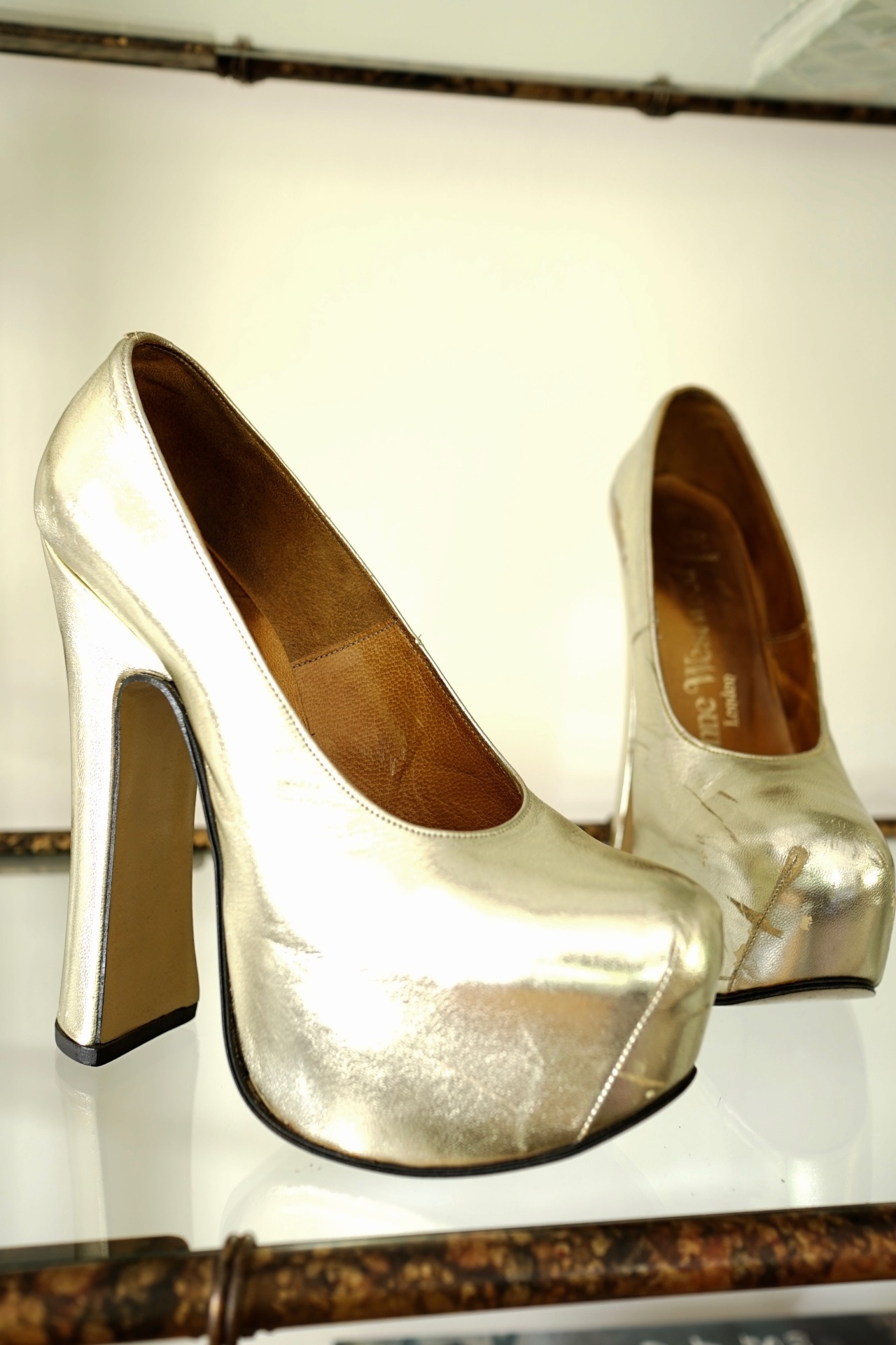 Retro-Vivienne-Westwood-Gold-Platform-Pumps